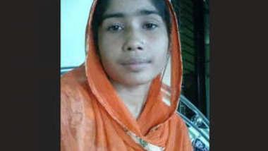 Bangladeshi Married Bhabi long Hair Bathing Video