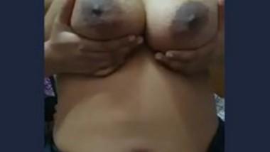 Mature Aunty Nude Show