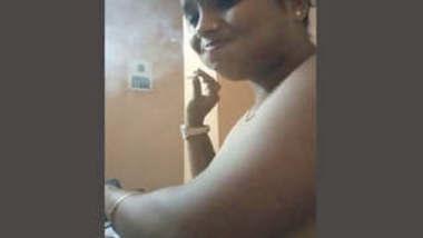 Sexy Bhabhi Blowjob and Fucked 3 Clips Part 1