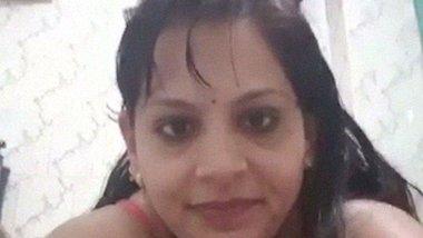 Awesome desi bhabhi Nude bathing selfie video