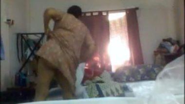 Bengali aunty big ass boobs caught in dress change