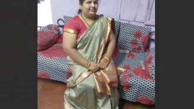 Milk Tanker Aunty Showing On Video Call