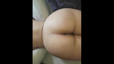 Sexy ass Latina Cumshot