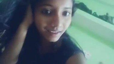 sing and show beautiful mallu girl
