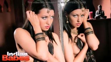 Bollywood Desi Babysitter Aishwarya Naked Pornstar