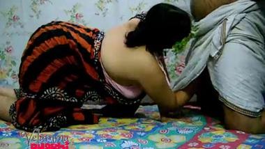 Velamma Bhabhi Desi HOUSEWIFE Oral Fucked In...