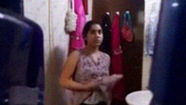 Desi Bhabhi Bathing Hidden Camera Video Record