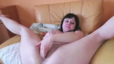 sexy girl high squirting on tits