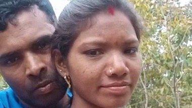 Desi Village Lovers Outdoor fondling porn