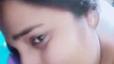 Entrancing Desi girl tries to fall asleep but boyfriend craves porn