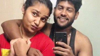 Desi lover making naked romance video