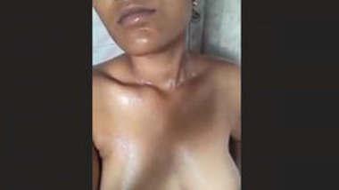 Cute Desi girl bathing 2 CLips Part 2