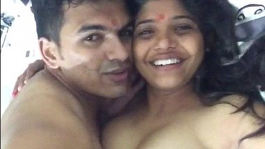 Hot Desi Girl Romance with Lover New Leaked MMS