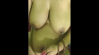 Neha bhabhi Hindi dirty talk with vibrator in pussy