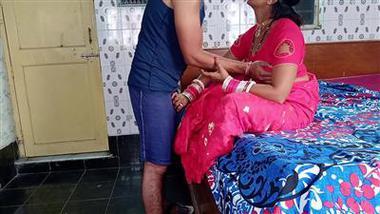 Cheating bhabhi ka pati ke bhai se gharelu chudai khel
