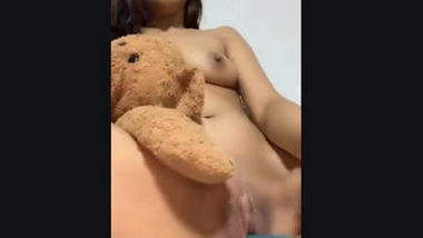 Desi cute girl fing her pussy
