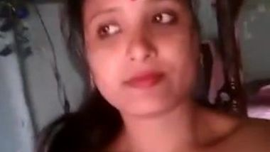 Sexually unsatisfied Desi wife looks for porn appreciation in webcamming