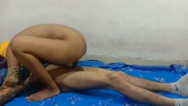 Rich desi babe XXX nude show for her new lover