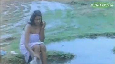 Devi Tamil Actress Beautiful Clip