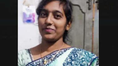 Telugu Girl Showing Boobs on VC