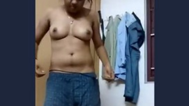 Desi girl changing dresses on cam for her lover
