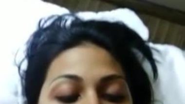 tamil escort girl sucking customer cock in hotel