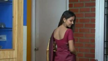 Tamil tamil milf seducing...
