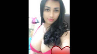 Indian Hot college girl showing her boobs