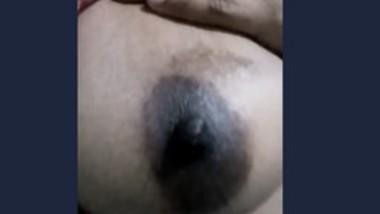 Sexy paki Girl boob Show In Video Call