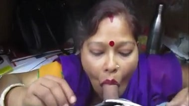 Bhopal Indian aunty porn movie recorded and leaked