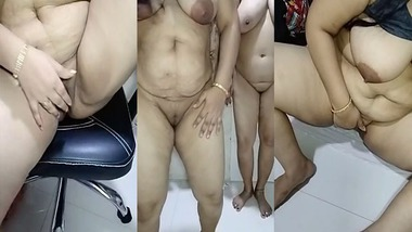Desi Bhabhi with her friend naked on Tango Live