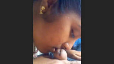 Mallu young girl playing with dick