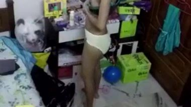 Pretty Desi girlfriend is caught nude by XXX camera in the bedroom