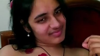 Good-looking Desi beauty lies in bed being in mood for XXX chudai