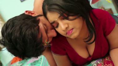 Punjabi teen home sex desi masala showing huge cleavage