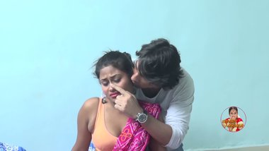 Free Indian home sex video of desi woman her hubby's friend.