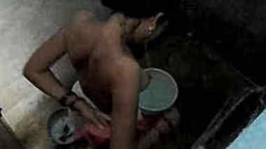 Naughty boy sneakily films Indian stepsis washing XXX body after sex