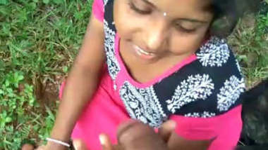 Sexy Telugu girl Gives blowjob outdoor