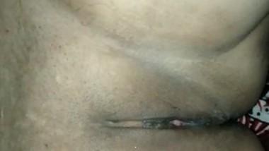 Desi village bhabi tight pussy fingering