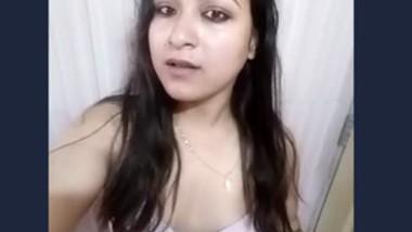Indian Horny Girl Nude Selfie