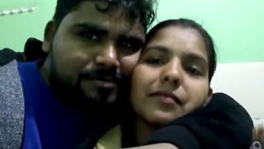 Kolkata bhabi kissing