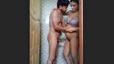 Pakistani Couple fucking in shower hot