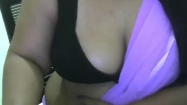 Desi Priya Aunty On Cam-4