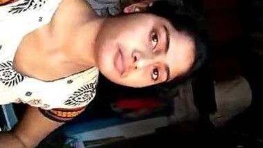 Indian chick demonstrates her XXX muff and has solo sex in her room