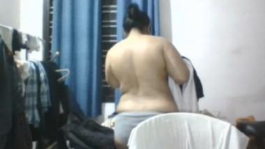 Desi Bhabi After Bath Nude Record-2
