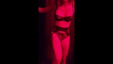 Marianne Ballbusting in the Club POV
