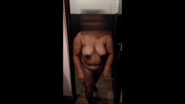 Sri lankan AUNTY doggy fuck | පුක ලොකු ඇන්ටිට හිකුවා | TANTE Hündchenfick | AUNTY後背位ファック | TIA cacho