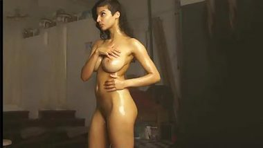 Solo chudai video of gorgeous Desi beauty with perfect XXX breasts