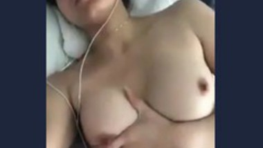 Very beautiful girl girl showing her boobs on video call