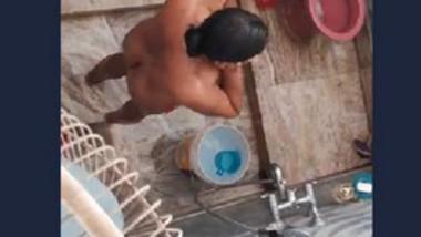 Desi Bhabi Bath record hidden cam